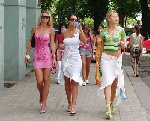 Пышные девки с разных уголков планеты